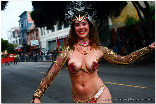 San-Francisco-Carnaval-Parade-Mission_001