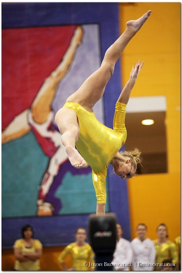 University-of-Minnesota-womens-gymnastics_011