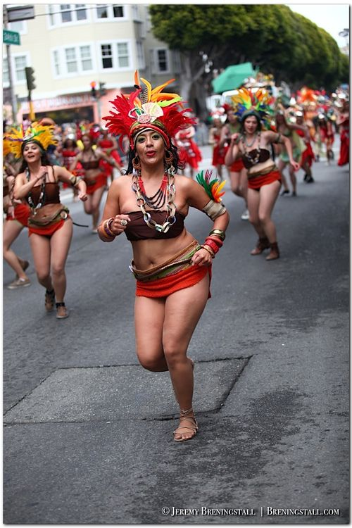 San-Francisco-Carnaval-Parade-Mission_102